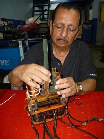 Transformador del sistema Auto regulador de un Generador